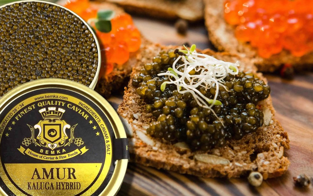 The best way to serve and garnish caviar